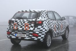 mg-zs-spied-08