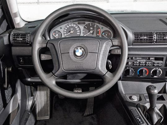 bmw_318tds_compact