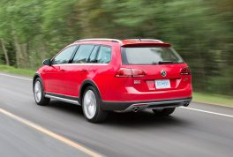 2017-volkswagen-golf-alltrack-rear-three-quarter-in-motion-02