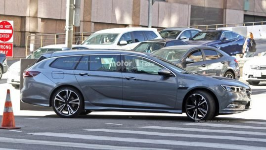 2017-opel-insignia-sports-tourer-spy-photo