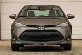 2017-toyota-corolla-review06