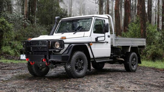 2017_mercedes-benz_g-professional_cab-chassis_g-pro-10