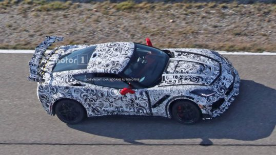 2018-chevy-corvette-zr1-spy-photo