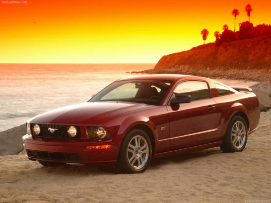ford-mustang-2005-gt-01