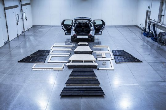 land-rover-cabin-discovery-sport-12