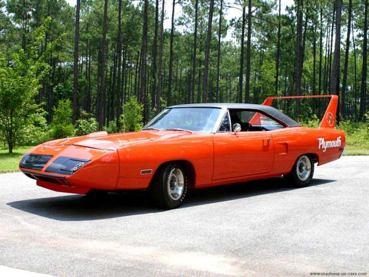 plymouth-superbird-rouge
