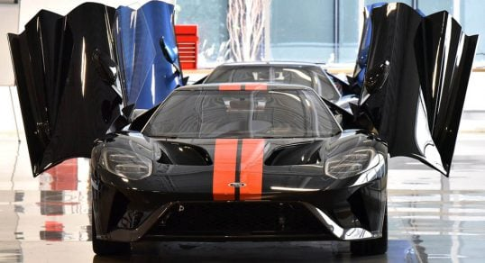 supercar-manufacturing-3