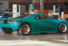 10_mcv-ch4-canadian-supercar-waddell