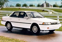 1988-toyota-camry-front-side-view