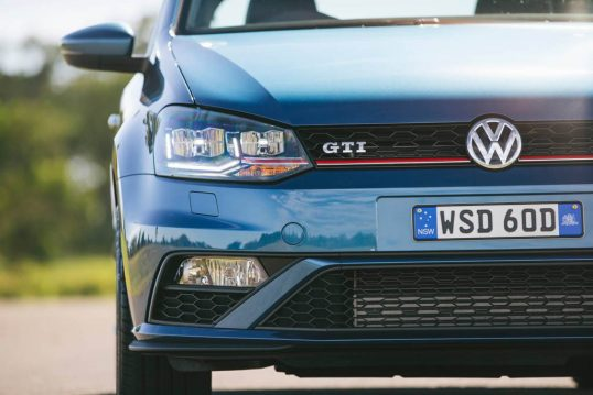 2015-volkswagen-polo-gti-car-review-9