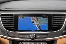 2017-buick-lacrosse-center-stack-screen