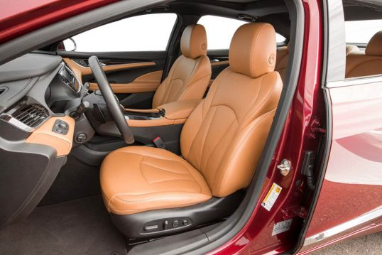 2017-buick-lacrosse-front-interior-seats