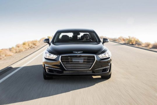 2017-genesis-g90-33t-htrac-premium-front-end-in-motion