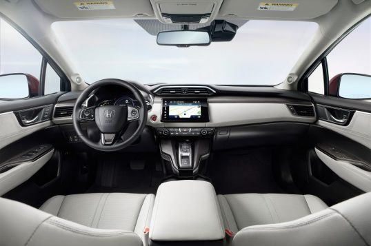 2017-honda-clarity-fuel-cell-front-interior-02