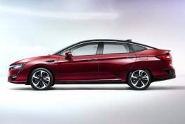 2017-honda-clarity-fuel-cell-side