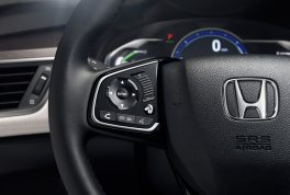 2017-honda-clarity-fuel-cell-steering-wheel-controls