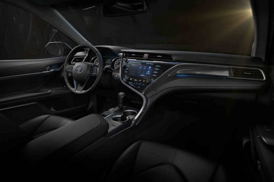 2018-toyota-camry-xse-cabin