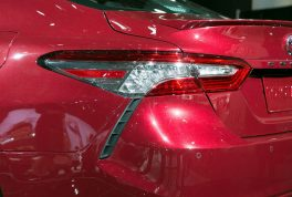 2018-toyota-camry-xse-taillight-02