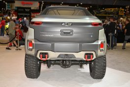 chevrolet-colorado-zh2-fuel-cell-electric-vehicle-rear-view