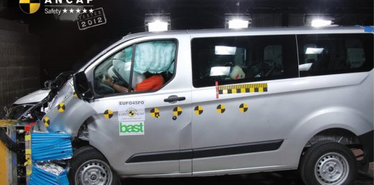 ford-transit-custom-2014-onwards-frontal-offset