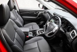 nissan-x-trail-2015-front-seats