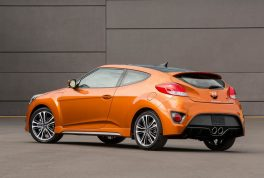 hyundai-veloster-value-edition-18