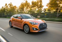hyundai-veloster-value-edition-37