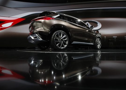 infiniti-has-yet-to-say-when-we-can-expect-the-new-qx50-but-the-concept-gives-us-a-nice-look-of-whats-to-come