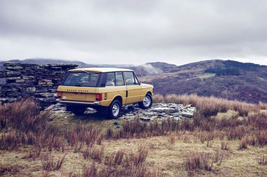 1978-range-rover-three-door-restored-rear-three-quarter-02