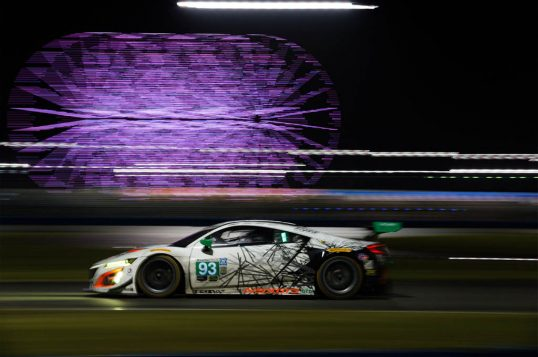 acura-nsx-gt3-race-car-side-in-motion