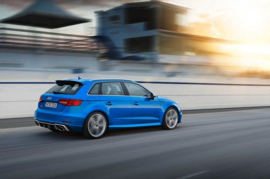 audi-rs-3-sportback-in-motion