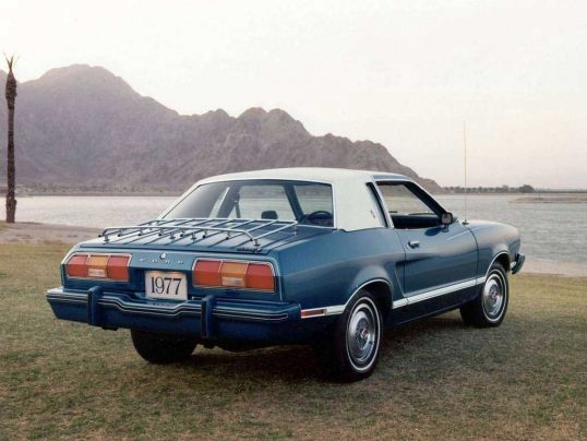 ford-mustang-1977-03