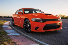 2017-dodge-charger-rt-scat-pack-front-three-quarter-01