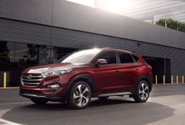 2017-hyundai-tucson-front-three-quarter-02