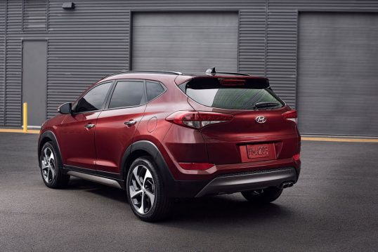 2017-hyundai-tucson-rear-three-quarter-02