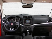 2014 Fiat Freemont Cross Interior
