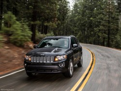 Jeep-Compass_2014_800x600_wallpaper_04