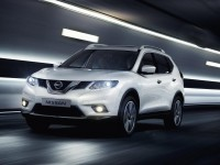 Nissan-X-Trail-white-front