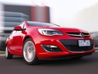 Opel-Astra-5dr-red-dynamic1