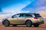 Opel-Insignia_Country_Tourer_2014_800x600_wallpaper_06