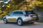 Opel-Insignia_Country_Tourer_2014_800x600_wallpaper_07