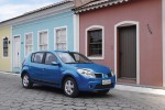 Renault-Sandero_2008_1600x1200_wallpaper_01