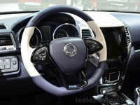 Ssangyong-XIV-Air-Concept-steering-wheel-at-the-2014-Paris-Motor-Show