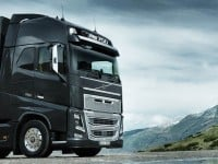 Volvo-FH-Right-Angle-Beauty-Shot