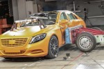 W222 Mercedes-Benz S-Class crash test
