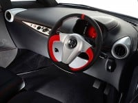 Yamaha-MOTIV-e-city-car-2014-interior