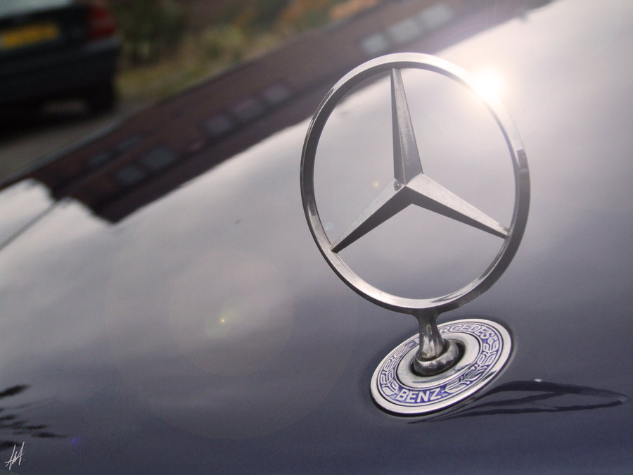 mercedes_benz_w124_badge
