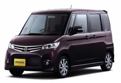 nissan roox microvan