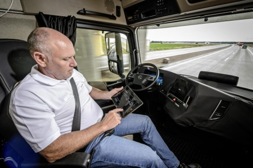 Mercedes-Benz Self Driving Semi Truck 2025
