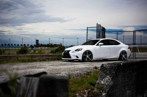 take-a-look-at-the-2014-lexus-is-on-vossen-cv5-wheels-video-63095_1